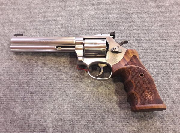 Smith&Wesson Revolver Mod. 686 Target Champion Deluxe