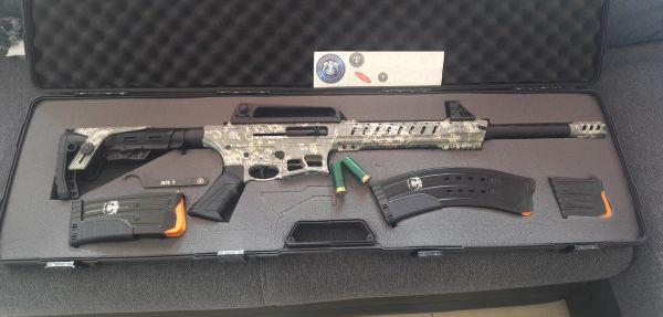 Huglu XR-7 Semi Automatic Kal. 12/76